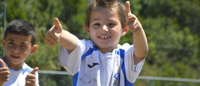Ceriale bambino felice calcio
